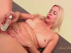 Blonde mature with a toy masturbates lustily videos