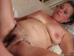 Hairy granny pussy fucked by his young cock movies at kilosex.com