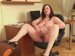 Fat mom in her office chair masturbating videos