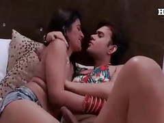 Desi ladke ne model bhabhi ko shoot ke time choda movies at kilomatures.com