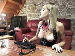 Elle se fait prendre devant son soumis, Amateur, Femdom, French, Dirty Talk, Mistress, Slave, Humiliation, Femdom Chastity videos