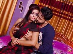 Hot  bhabi ki saree kholi videos