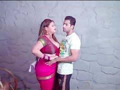 Sexy sobha bhabhi ko pair uthakar jabardast choda videos