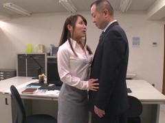 Kinky secretary from japan drops on her knees to give a blowjob videos