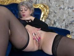 Video of solo mature pleasuring her orgasmic fuck hole. hd, Mature, Granny videos
