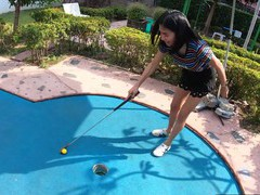 Amateur thai teen really bad at minigolf, Asian, Thai movies at freekilomovies.com