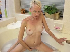 Blonde mature madison mayhem moans while playing in the bath-tub, Mature, Short Hair movies