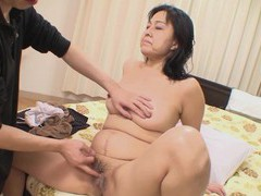 Natural boobs japanese mature mako anzai enjoys giving a blowjob tubes