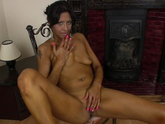 Foxy ebony cougar sophia smith moans while fingering her pink taco, Mature videos