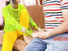 Yourpriya behan gives first experience to bhai to dump her gf videos