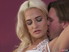 Hot ass and tits nicole vice gives head and has sex on the bed, Couple, Hardcore, Pornstars, Blondes, Thong, Hot Ass, Missionary, Blowjob, Doggystyle, Pussy, Shaved Pussy, Big Tits, Fake Tits movies at freekilosex.com