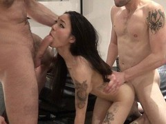 My wet pussy enjoyed getting fucked by two massive dicks videos