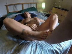 Got fisted by roomate's boyfriend when he caught me masturbating on her bed tubes