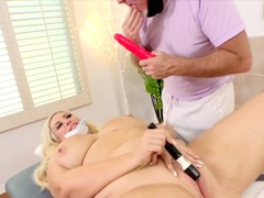 Sexy bbws enjoys their pussies getting teased using fingers and sex toys by masseur, BBW videos