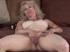 Masturbating mature has incredible big tits movies at kilopics.net