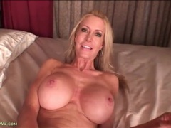 Fit mature with sexy fake tits masturbates videos