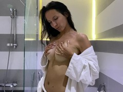 Hot brunette plays with her pink pussy in the bathroom, Amateur, Big Ass, Brunette, Fetish, Verified Amateurs movies at kilopills.com