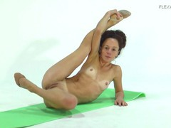 Anna ocean super flexible and hot babe, Amateur, Brunette, Fetish, Teen (18+), Small Tits, Russian tubes