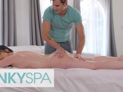 Kinky spa - astonishing jennifer white gets a full body massage with a happy ending by her employee, Brunette, MILF, Pornstar, Small Tits, Massage movies at freekiloclips.com