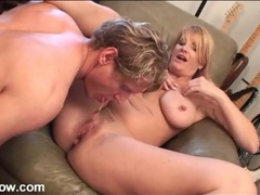 His milf booty call shows up for cunt licking movies at find-best-videos.com