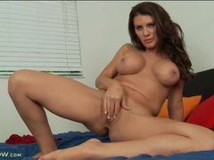 Brunette mommy with implants masturbates pussy videos