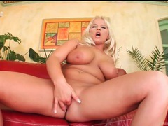 Oiled up curvy chick sucks a dick lustily movies at find-best-babes.com