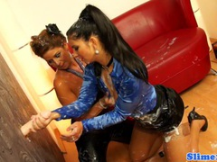 Bukkake lesbo licking juicy box videos