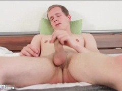 Gay solo masturbation with cumshot on his stomach movies at kilopics.net