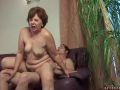 Old lady cunt sits on his hard dick tubes