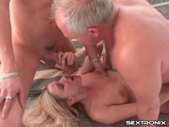 Cute blonde double penetrated and taking cumshots videos