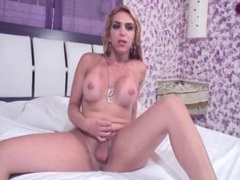 Shemale strips off her dress for a blowjob videos