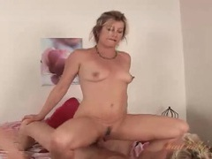 Blonde mommy is hot taking dick in her cunt videos