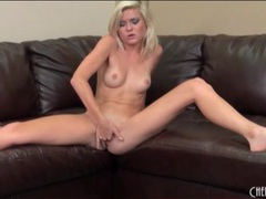Petite blonde fingers her cunt passionately videos