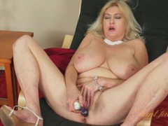 Huge tits mature gets creamy masturbating solo movies at find-best-panties.com
