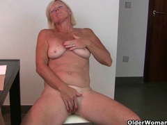 Office grannies in pantyhose need to get off videos