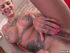 Tattooed pornstar bonnie rotten models naked body movies at find-best-pussy.com