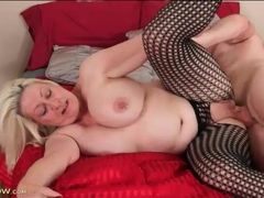 Chubby blonde mature sucks his dick and gets fucked videos