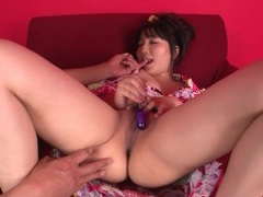Hairy japanese pussy vibrated by a dildo videos