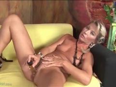Hot mom janet darling fucks a dildo videos