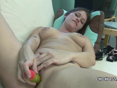 Horny hottie violet is stuffing her pussy with toys tubes