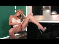 Blonde sami c masturbates in high heels videos
