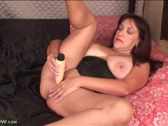 Chubby solo mature fucks vibrating dildo videos