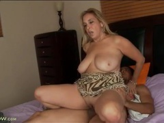 Big bouncy natural titties on fucked milf videos