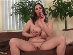 Voluptuous brunette fucks pussy with a toy movies at kilopics.net