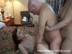 Amateur girls make threesome porn in hotel tubes