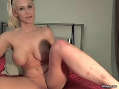 Blonde webcam babe with big tits masturbates clip