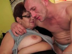 Chubby old lady licked on her box videos