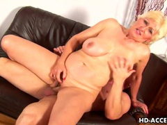 Mature blonde janka gets fisted and fucked movies at kilogirls.com