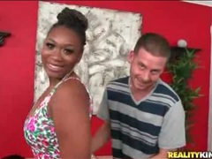 Black chick la reina teases her huge ass movies