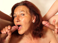 Handjobs from a hot mature videos
